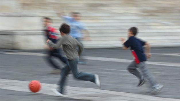 ninos-jugando-calle_tinima20110729_0566_5