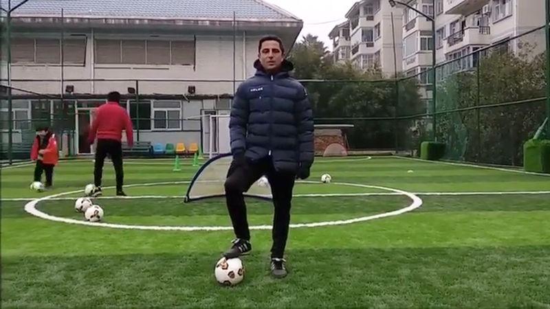 Carlos Lorente; entrenador de fútbol en China