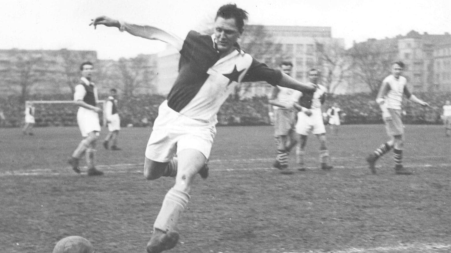 Josef Bican maximo goleador